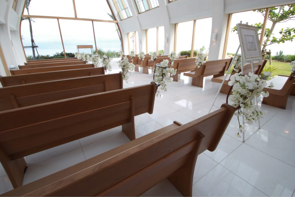 美らの教会内観4